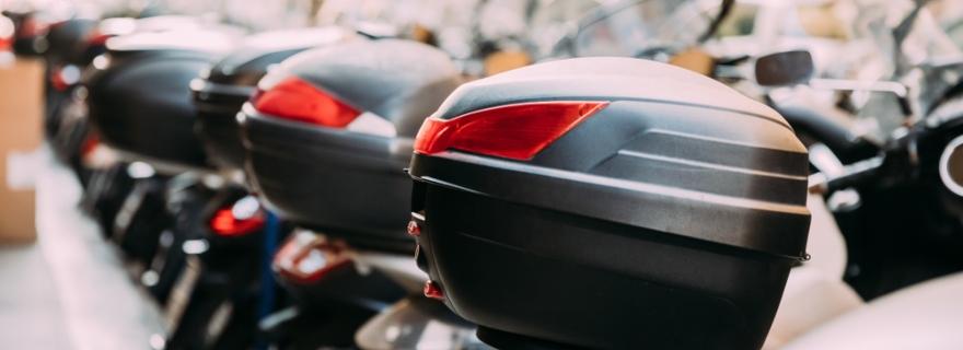 Descubre qué accesorios puede cubrir tu seguro de moto si te roban