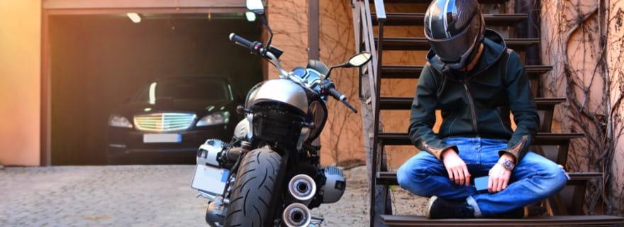¿Qué puede hacer encarecer tu seguro de moto?