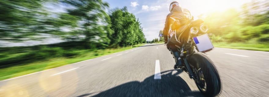 Usa un rastreador online de seguros de moto como el de Acierto.com